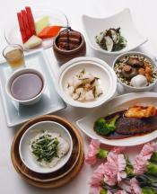 中餐西吃的套餐或圓桌合菜